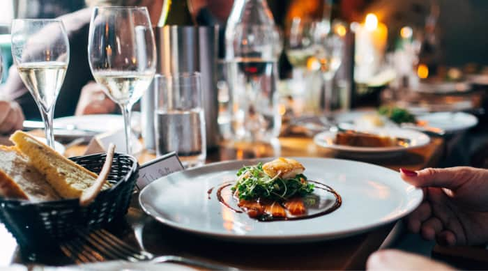 dry white wine pairing with food